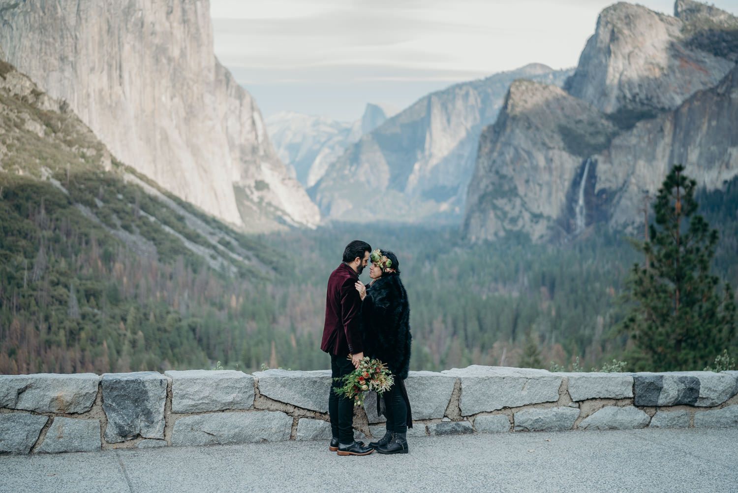 yosemite tunnel view happy couple